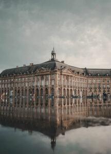 Cheap car rental in Bordeaux