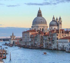 Cheap car rental in Venice